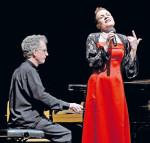 Anja Gutgesell und Jeremy Atkin