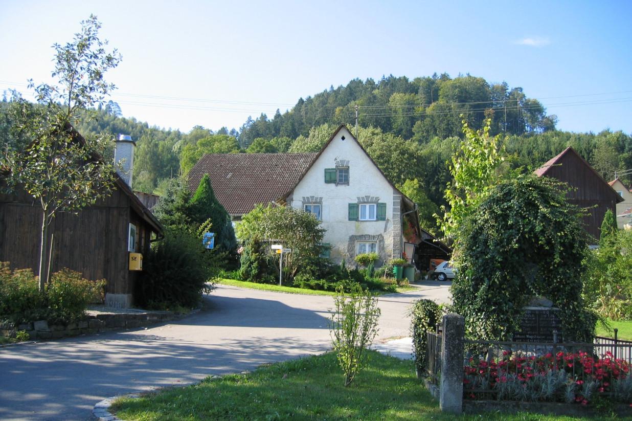 Blick in die Ortsmitte von Schiggendorf.
