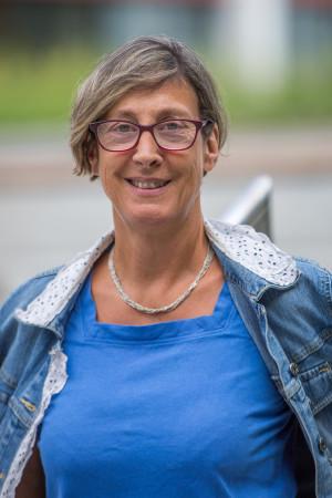 Portrait des Gemeinderat Mitglieds Monika Mahl.