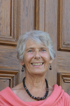 Portrait des Gemeinderat Mitglieds Doktor Monika Biemann.